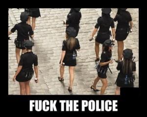 Quand les policiers te surprennent nu avec une fille dans ta voiture